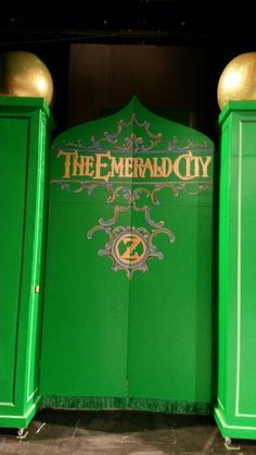 Gates to The Emerald City from Treehouse Theater's Wizard of Oz YPE, design by Tony Olson, painting by Lisa Heili