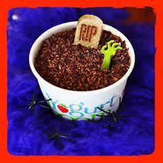"""@yogurtboom's photo: """"Escalofriantes cucharadas de delicioso helado en el día más tenebroso del año. ¡Buuuuu!  #YogurtBoom #Halloween"""""""