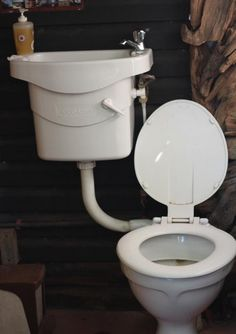 toilet uses basin water