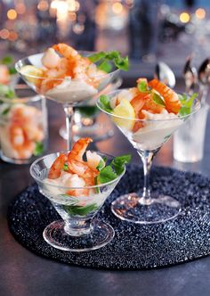large, juicy and tender tiger prawns in a tangy Marie Rose sauce, made with fresh tomatoes, chives and brandy mayonnaise, garnished with fre. Whole Foods, Whole Food Recipes, Cooking Recipes, Appetizers For Party, Appetizer Recipes, Sandwiches, Christmas Lunch, Christmas Catering, Prawn Cocktail