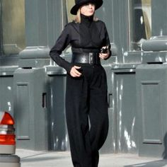 Faye Dunaway, Diane Keaton, Susan Sarandon, Sophia Loren and Helen Mirren are well over 50 and yet wear attractive clothes. Diane Keaton, Love Her Style, Style Me, Advanced Style, Ageless Beauty, Fashion Over 50, Style Icons, Celebrity Style, Personal Style
