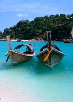 Zanzibar, Tanzania 2014 :)  Longtail boats again?!?!  Yea!!! @Kelsey Mannard not gonna cook it but I'll order it from ZANZIBAR