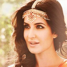 Tumblr Katrina Kaif Wallpapers, Kato, Beautiful Actresses, Indian Beauty, Bollywood Actress, Indian Actresses, Designer Dresses, Gifs, Faces
