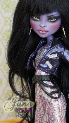 ~Juno~ Monster High Jane Boolittle repaint by RogueLively.deviantart.com on @DeviantArt