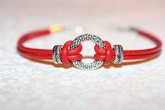 """Bracelets, Bracelet en cuir rouge """"Anneau"""" est une création orginale de Jennyscrea sur DaWanda"""
