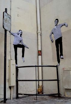 Dear art lover, today we are going to present to you Funny Art Installations By Levalet. The Beyonce of street art, this contemporary artist is turning the sad Installation Street Art, Murals Street Art, Graffiti Murals, Street Art Graffiti, Art Installations, Amazing Street Art, Best Street Art, Photographie Street Art, Street Art Photography