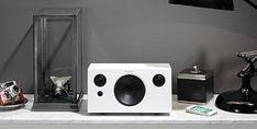 Un #altavoz con grandes cualidades sonoras es un altavoz de #calidad y eso ofrece el Addon T10. Calidad, diseño y portabilidad, tu música  donde quieras