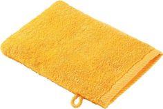 Dieser Waschlappen von ESPOSA überzeugt. Der weiche Waschhandschuh (B x L: ca. 16 x 22 cm) in Gelb eignet sich hervorragend zur sanften Gesichtsreinigung. Die Frottier-Oberfläche ist besonders saugstark und extra kuschelig. Besonders praktisch: Ihr neuer Waschlappen von ESPOSA hat eine Aufhängeschlaufe!