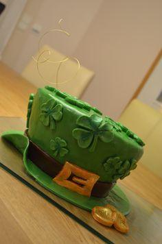 St Patrick's Day Cake #St Patricks Day #cake #shamrock