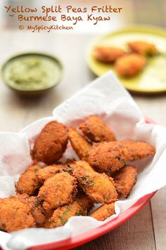 Baya kyaw are Burmese yellow split pea fritters. These vegan, gluten free finger food, great to serve as appetizers, breakfast, and light meal. Pea Recipes, Lentil Recipes, Indian Food Recipes, Asian Recipes, Vegetarian Recipes, Cooking Recipes, Ethnic Recipes, Curry Recipes, Veggie Recipes