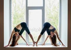 Kobiety robią jogi Obraz Stockowy