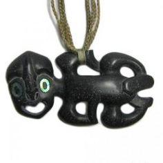 He hei tiki pākohe nā Hemi Sundgren. Tiki Art, Tiki Tiki, Maori Symbols, Maori Tribe, Maori People, Nz Art, Maori Art, Indigenous Art, Ancient Jewelry