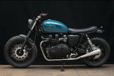 Copenhagen-based motorcycle builders Wrenchmonkees have reworked a 2005 Triumph Thruxton 900 for their custom bike. Triumph Cafe Racer, Cool Motorcycles, Triumph Motorcycles, Vintage Motorcycles, Cafe Racers, Motorcycle Tank, Scrambler Motorcycle, Motorcycle Style, Bobber