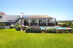 luxury villa in a quiet area - Boliqueime Algarve, Jacuzzi, Portugal, Villa With Private Pool, Most Beautiful Beaches, Cozy Living Rooms, Luxury Villa, Beautiful Gardens, Nespresso