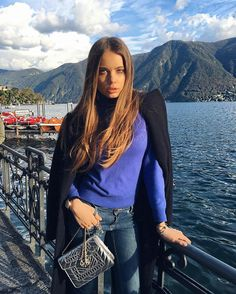 "Xenia Tchoumitcheva: ""In giro per Lugano where I am from.. before flying back home to London tomorrow."" Instagram: https://www.instagram.com/p/BLYzJXGg5TF/ Vk: https://vk.com/photo213086672_434522289 Facebook: https://www.facebook.com/groups/167417620276194/"