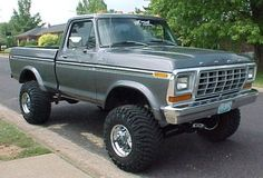 1978 Ford F-150 with a nice lift. Like to copy this look for my old 4x4  Would love this for my sons first truck!!