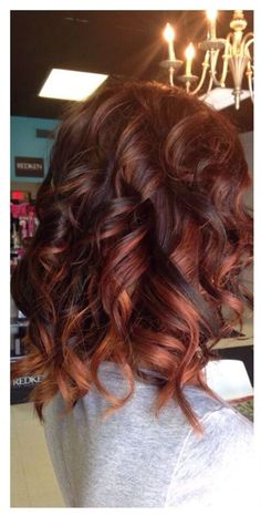 I really like to change my hair color! Are you looking for auburn hair color hairstyles? See our collection full of auburn hair color hairstyles and get inspired! Hair Color And Cut, Ombre Hair Color, Brown Hair Colors, Hair Colours, Auburn Red Hair, Dark Auburn Hair Color, Auburn Brown, Balayage Hair, Auburn Balayage