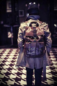 MOCHILAS: O Kit de Sobrevivência do Homem