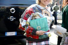 Street look à la Fashion Week de Milan automne-hiver 2014-2015, Jour 3 http://www.vogue.fr/defiles/street-looks/diaporama/fashion-week-milan-les-street-looks-automne-hiver-2014-2015-jour-3-fw2014/17667/image/960031#!4