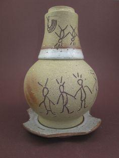 Moringa de cerâmica pequena com desenhos rupestres - Alecerâmica
