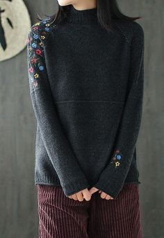 Ideas Knitting Machine Patterns Costura For 2019 Knitting Machine Patterns, Machine Embroidery Patterns, Sweater Knitting Patterns, Knitting Designs, Embroidery Designs, Knitting Ideas, Embroidery On Clothes, Embroidered Clothes, Embroidery Fashion