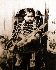 Native American Children, Native American Clothing, Native American Photos, Native American Tribes, Native Indian, First Nations, Indiana, Dolls Dolls, Sioux