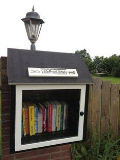 De #LFL van Jan Dijkgraaf https://twitter.com/jndkgrf/status/352518200384159745v Little free library