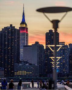 Manhattan from LIC by @mwaterhouse #newyorkcityfeelings #nyc #newyork