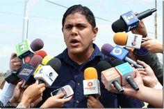 """Lester Toledo: """"Arias somete a doble castigo a los zulianos con el chip de gasolina y las captahuellas"""" - http://www.leanoticias.com/2014/09/14/lester-toledo-arias-somete-a-doble-castigo-a-los-zulianos-con-el-chip-de-gasolina-y-las-captahuellas/"""
