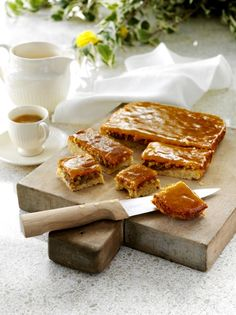 Tässä mangon makuisessa leivonnaisessa on kaksi herkullista kuorrutusta. Sweet Pie, Deli, French Toast, Cookies, Breakfast, Pastries, Food, Crack Crackers, Morning Coffee