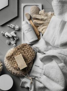 http://www.phomz.com/category/Bathroom-Accessories/ Beautiful styling | ligne…