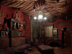 Turkish room in Castello d'Albertis. You can't miss the lighting fixture in this room.