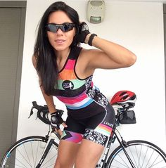 Curves and Lines: Women and Bikes : Photo