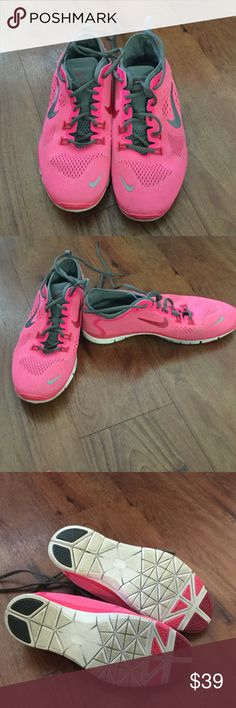 Nike sneakers worn twice Nike free TR FIT 4. Excellent condition worn twice. Great fit. Nike Shoes Athletic Shoes