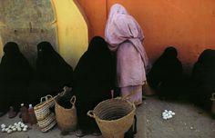 Harry Gruyaert/Magnum Photos MOROCCO. Town of Tafraout. Street market. 1986