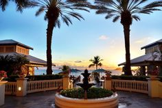 St. Thomas in the US Virgin Islands is home to many great resorts, including the Marriott Frenchman's Reef Resort. Overlooking gorgeous Charlotte Amalie Bay, this is the place to stay if you want relaxed luxury and elegance in a beautiful natural setting.