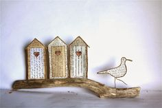 Bird of wire Crafty Projects, Projects To Try, Crafts To Make, Arts And Crafts, Book Sculpture, Driftwood Art, Wire Crafts, Wire Art, Diy Wall Art