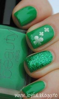 St Patrick trèfle vert #nail #ongles