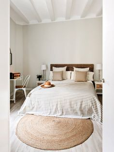 Best Small Guest Bedroom – My Life Spot Dream Bedroom, Home Decor Bedroom, Dining Room Design, Interior Design Living Room, H Design, House Rooms, Home Decor Inspiration, Image, Mediterranean Bedroom
