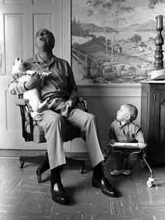 President Lyndon Johnson howls with his dog as his grandson Patrick Lyndon Nugent looks on,1968. Photo-Yoichi Okamoto
