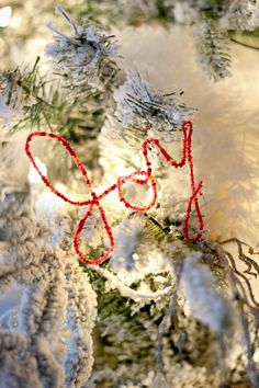 So simple! DIY beaded wire word ornaments. Great for on the tree, table or mantel. http://www.ehow.com/ehow-crafts/blog/diy-beaded-wire-word-ornaments/?utm_source=pinterest.com&utm_medium=referral&utm_content=blog&utm_campaign=fanpage