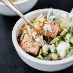 Buddha-Bowl-Trend: Salad-Bowl mit Lachs und Spargel | schmecktwohl