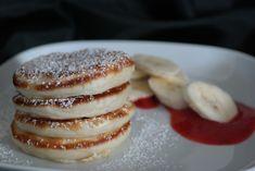 Sunflower - w wolnej chwili...: Pancakes z musem truskawkowym i bananami