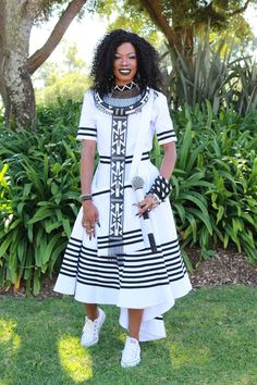African Wear Dresses, Latest African Fashion Dresses, African Print Fashion, Africa Fashion, African Attire, African Traditional Wedding Dress, African Fashion Traditional, Traditional Outfits, Xhosa Attire