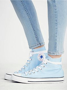 Converse Chuck Taylor All Star Hi Top Sneaker Converse Bleu, Converse Haute, Hi Top Converse, Galaxy Converse, Outfits With Converse, Converse Sneakers, Converse Chuck Taylor, High Top Sneakers, Light Blue Converse