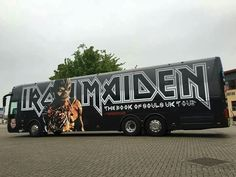 The bus of Souls Heavy Metal Rock, Heavy Metal Music, Heavy Metal Bands, Rock And Roll Bands, Rock Bands, Iron Maiden Posters, Eddie The Head, Iron Maiden Band, Learn Guitar Chords