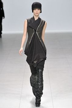 http://www.style.com/slideshows/fashion-shows/fall-2008-ready-to-wear/rick-owens/collection/43