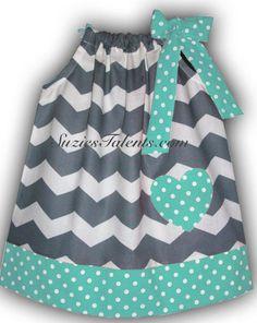 Pillow Case Dress Chevron and Polka Dot. Outfits Niños, Kids Outfits, Little Dresses, Little Girl Dresses, Chevron Dress, Blue Chevron, Aqua Blue, Pillow Dress, Diy Dress