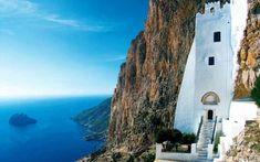 Panagia Hozoviotissa on Amorgos Island.Greece of course Beautiful Sites, Beautiful Beaches, Travel Around The World, Around The Worlds, Greek Garden, Greece Hotels, Place Of Worship, Countries Of The World, Greek Islands