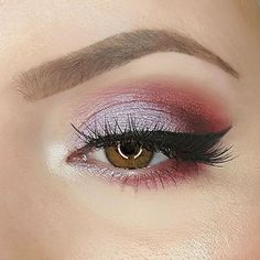 Spring has officially sprung, and what better way to start than with a pretty pink look?  @myfaceblog used:  Cupcake  Bitten  Americano  Day Dreamer (foiled)  Shimma Shimma